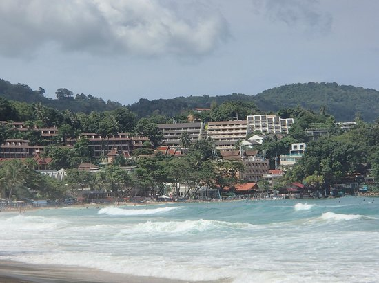 Orchidacea Resort : View from Kata beach back to the hotel