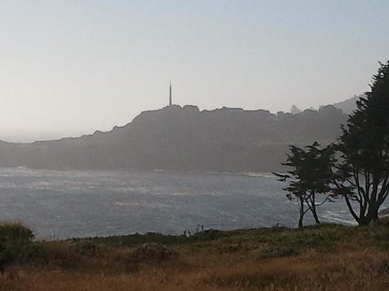 Fort Ross Lodge: View of Bufano Peace Obelisk to the north, from property