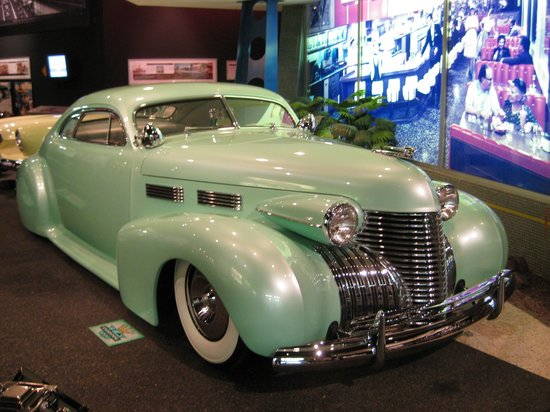 Petersen Automotive Museum: Gorgeous Classic
