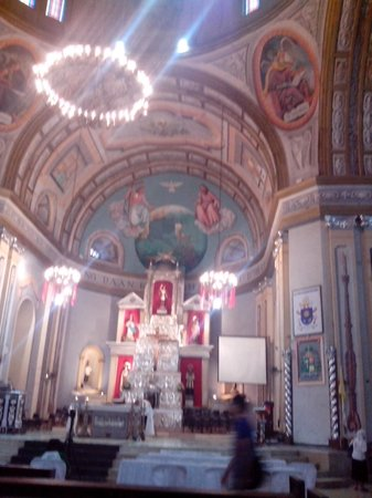 Lipa City, Filipinas: shining silvery altar