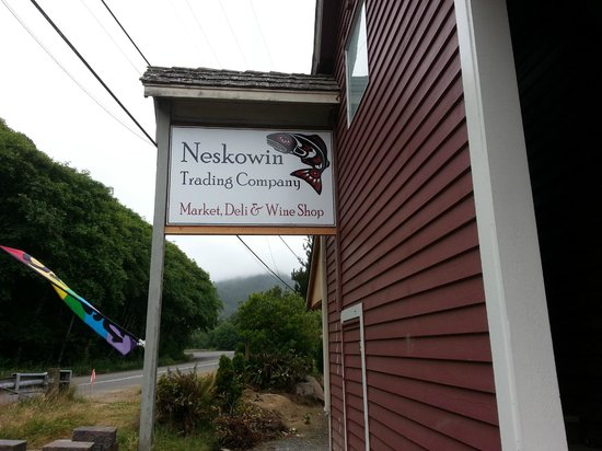 Neskowin Trading Company: Be Sure and Stop Here!