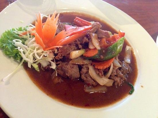 Mai Thai : beef dish (the first one on the menu under beef dishes, in four words thai name)