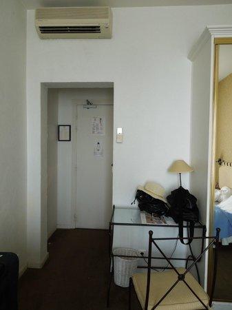 Hotel Le Grimaldi by HappyCulture: Room 55 - Le Grimaldi, Nice  – Sep 8-9 2012