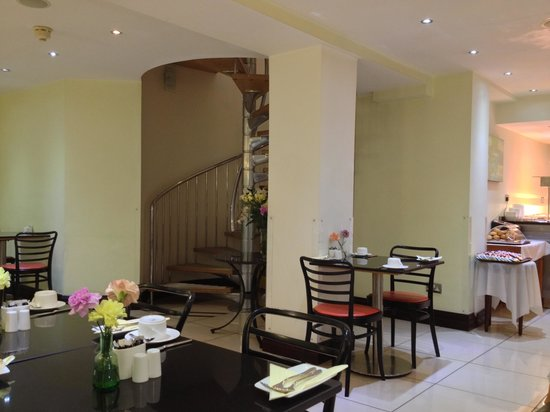 Shaftesbury Metropolis London Hyde Park: Breakfast area