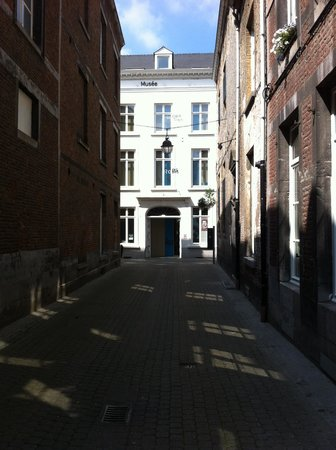 Musée Félicien Rops. Province de Namur : View of the front of the museum.
