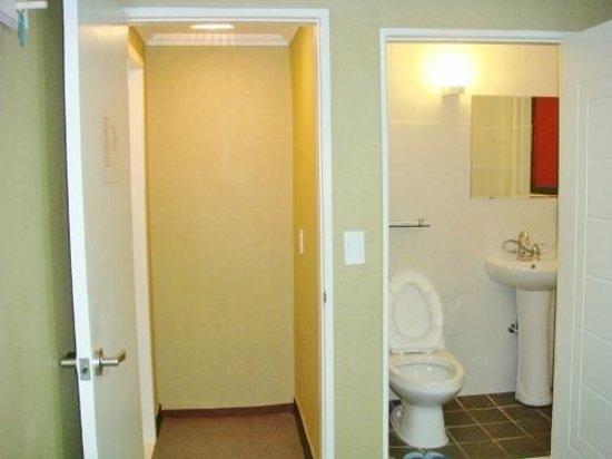 Korstay Sookmyung Women's Univ. : 房間玄關&浴室