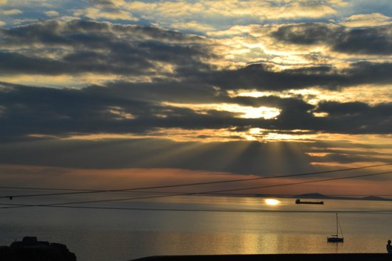 Pendyffryn Guesthouse and B&B: Beautiful sunset.