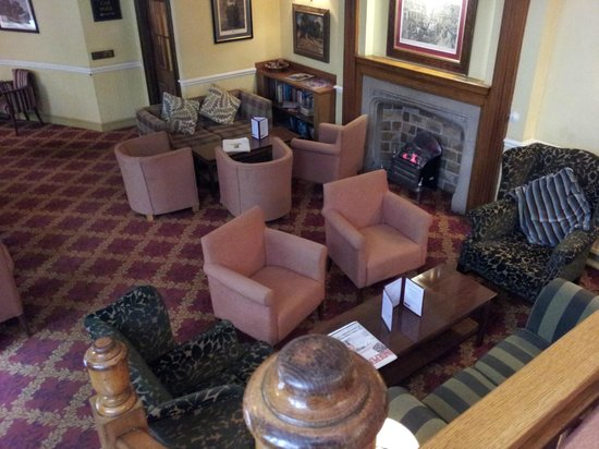 Maids Head Hotel: Hotel seating area.