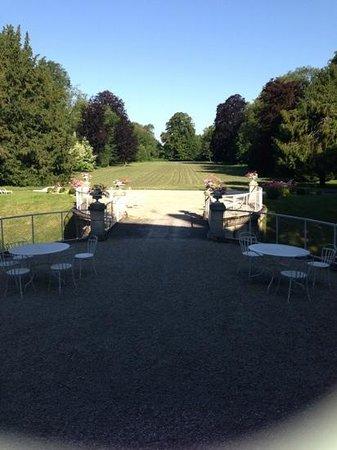 Chateau de Juvigny: rear garden