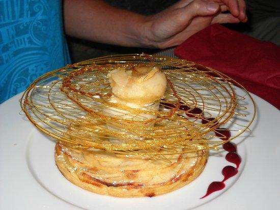 Auberge La Table Du Curé : La tarte fine aux pommes