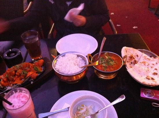 BOMBAY: one of the best butter chicken I've tasted