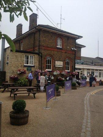 Woodbridge Station Guest House: Outside