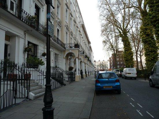 St. David's Hotels: Norfolk square, la rue du St David's Hotels