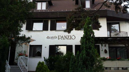 Beatrix Hotel - Budapest: Hotel Facade