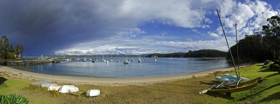 Quarantine Bay Beach Cottages: view across the bay