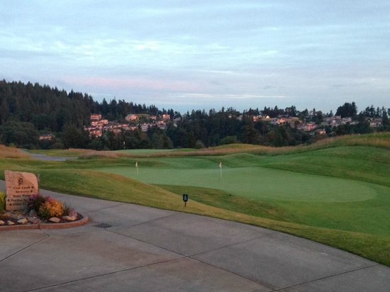 Newcastle Country Club: Nice looking course