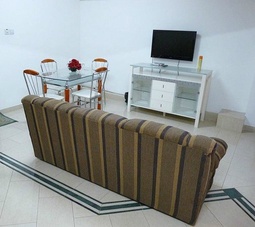 Hotel Raha Tower: Studio Apartment (Living room)