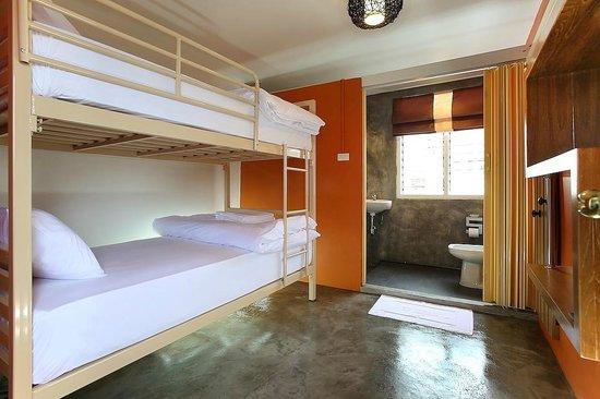 Smile Buri House: burk room