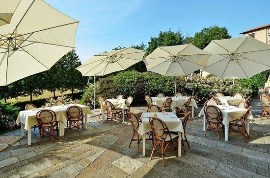L 39 esterno di giorno picture of rocca di oggiona oggiona for L esterno di un ristorante