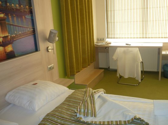 Medosz Hotel: room