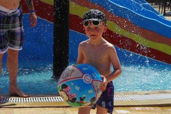 Skanes Family Resort: activity pool