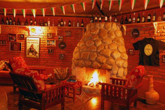 Octagon Lodge : The Irish Bar
