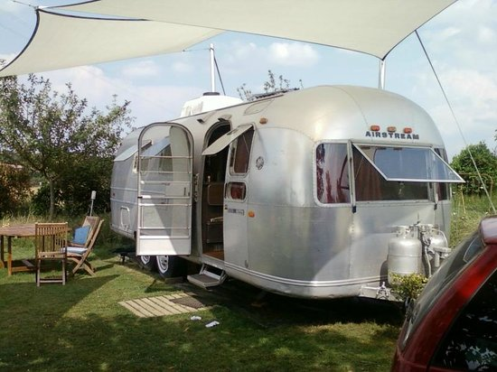 Belrepayre Airstream & Retro Trailer Park: Overlander airstream