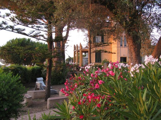 Villino Eleonora First Quality Bed and Breakfast: View of the Front