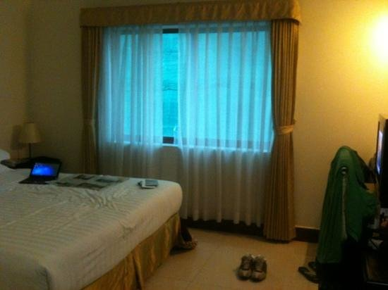 Cardamom Hotel: our dbl bedroom.Twin room was much bigger.