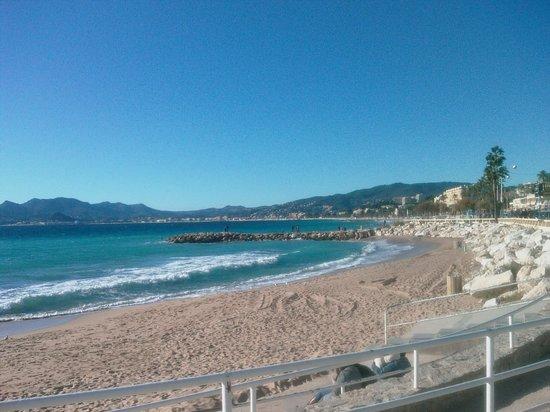 Hotel des Allees: Frühling am Strand