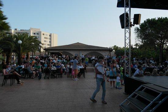 Hipotels Mediterraneo Club : zona spettacoli serali