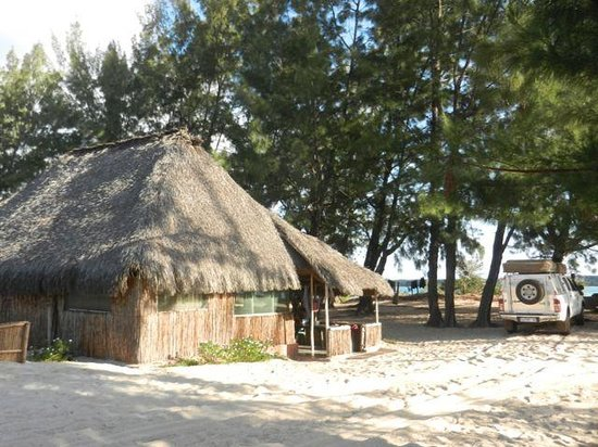 Pomene Lodge: Beach chalets