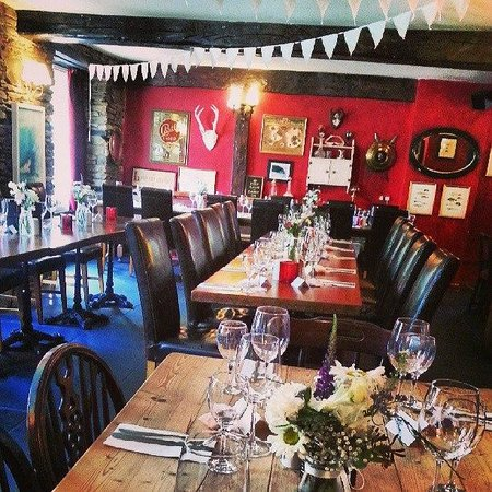 Kings Arms Georgeham: Wedding lunch setup...