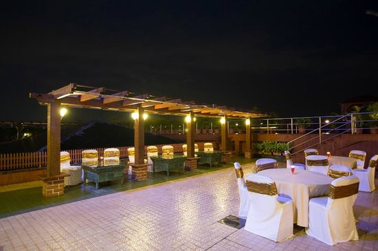 The E-SQUARE Hotel: Banquet Terrace