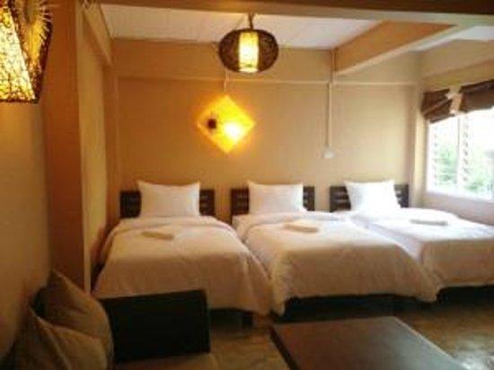 Smile Buri House : triple room