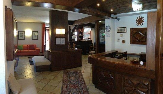Hotel Triolet : reception/hall