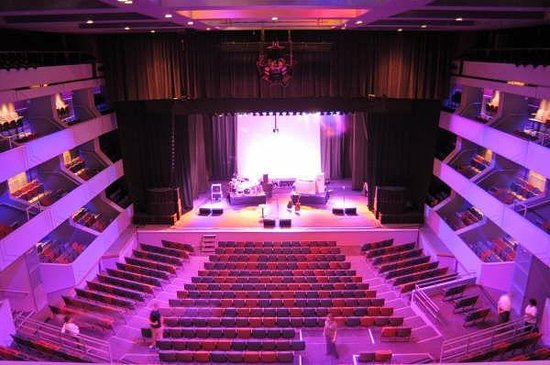 Northampton, UK: Derngate Auditorium
