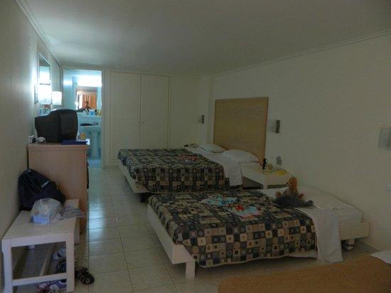 Club Marmara Marina Beach: chambre quadruple
