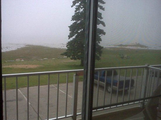 K Royale Lakefront Inn: Lake Huron view from room  -can sit  on private balcony(has overhang) even when raining