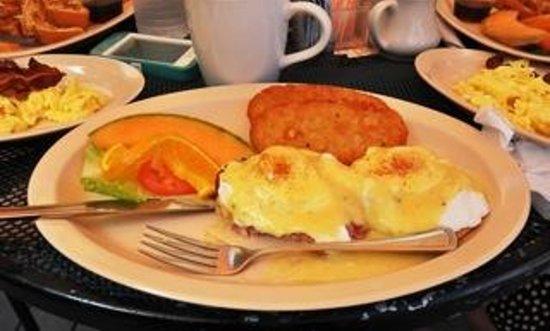 D Best Cup : Eggs Benedict