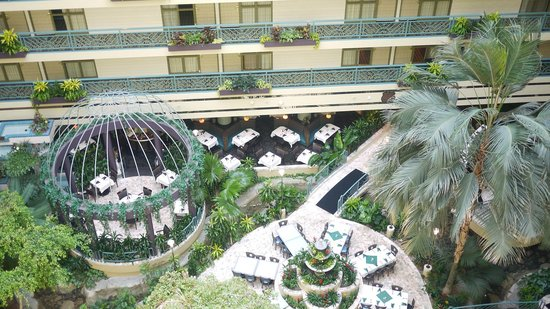 Embassy Suites by Hilton Minneapolis - Airport: Looking from 8th floor into Atrium