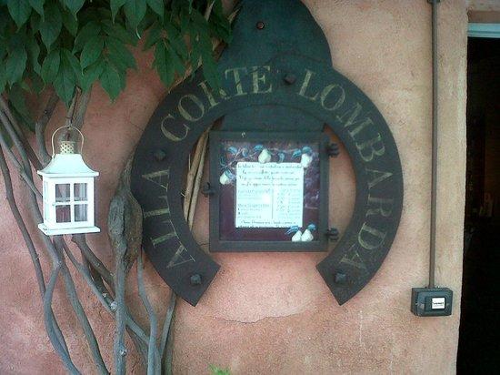 Corte Lombarda : esterno