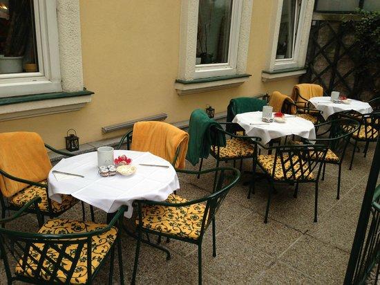 Hotel Jager : la colazione all'esterno