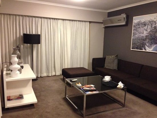 Adina Apartment Hotel Sydney Surry Hills : Lounge room