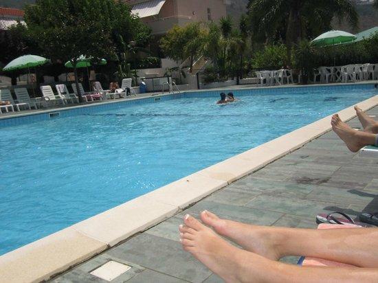 Residence Le Magnolie : Piscina del Villaggio