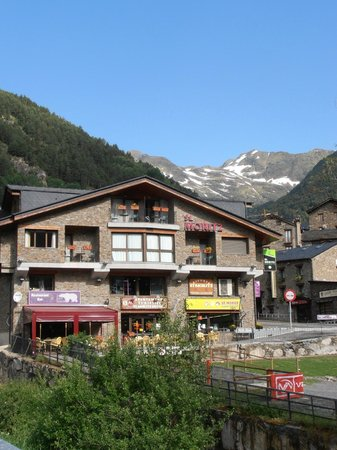 Sant Moritz Apartments: Hotel desde fuera
