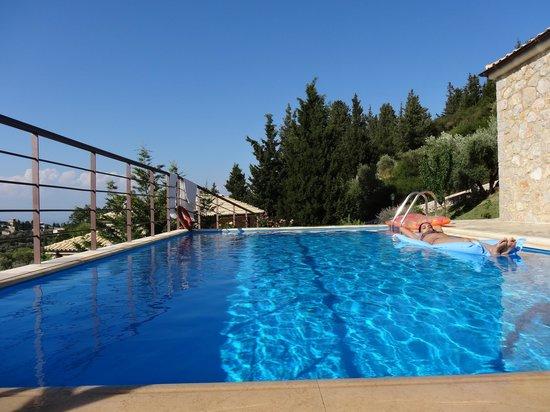 Asplathia Villas : pool