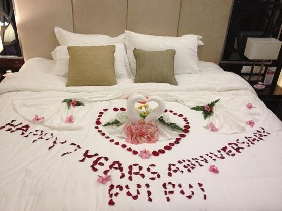 My anniversary decoration picture of swiss belhotel for Hotel wedding decor