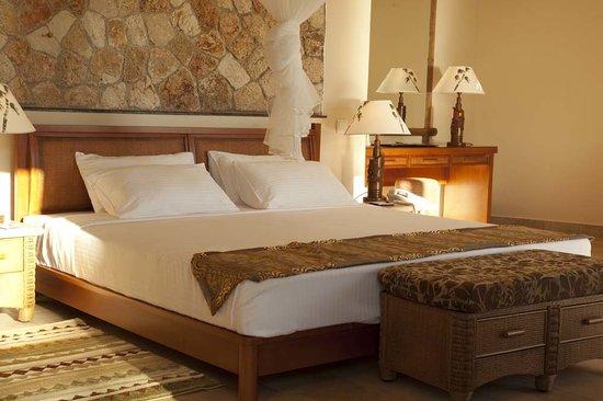 Ledger Plaza Bahari Beach Hotel: Bed room