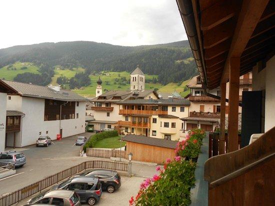 Hotel Garni Letizia: vista di San Candido